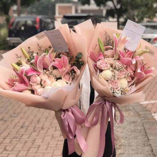 bisnis rumahan merangkai bunga